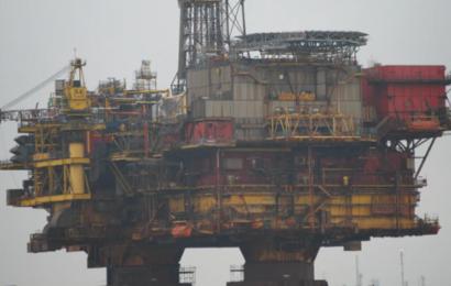 Verdens største olieselskab styrtdykker: Exxon Mobiles fald markerer en milepæl for klimaet